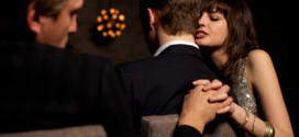 Flirthookup.com: Top 11 Signs She's Cheating